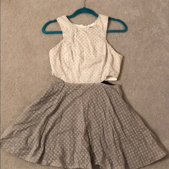 Lucca Couture Dresses & Skirts - Urban Outfitters daisy dress